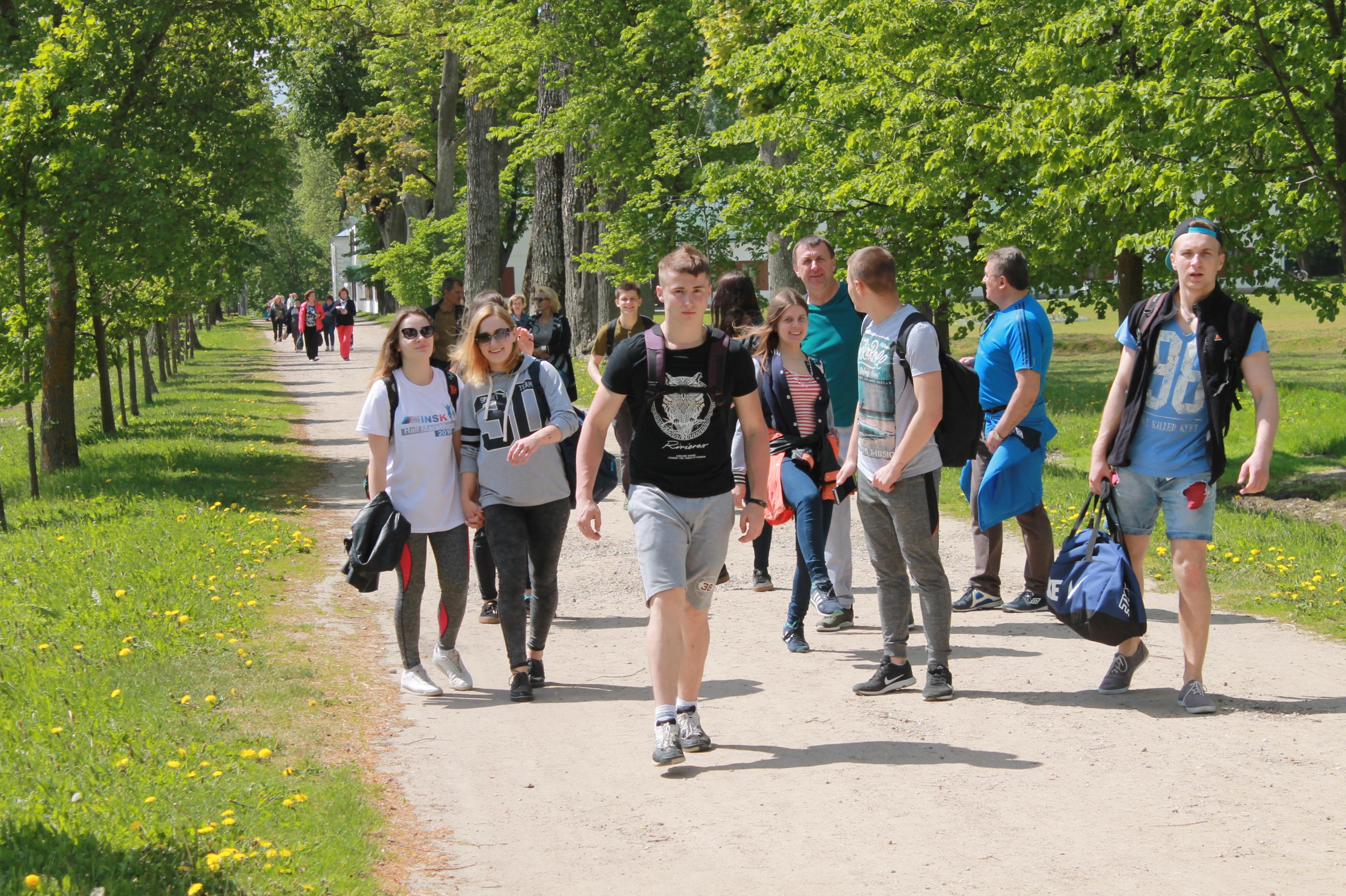 Приключения студента в деревне фото 763-555